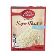 Betty Crockers Super Moist Cake Mix White 461G